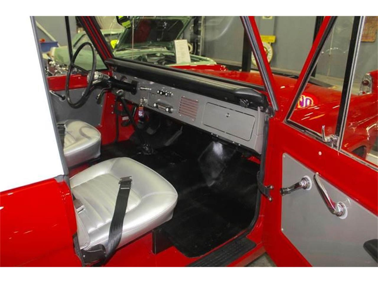 Large Picture of '66 Bronco - MEHV