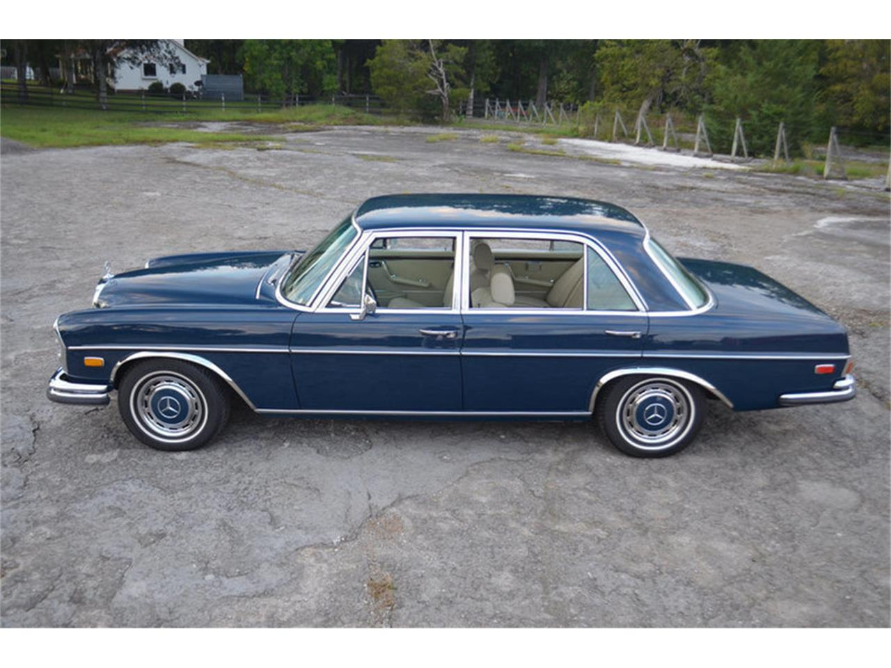 Large Picture of 1969 Mercedes-Benz 300SEL located in Lebanon Tennessee - MEJ6