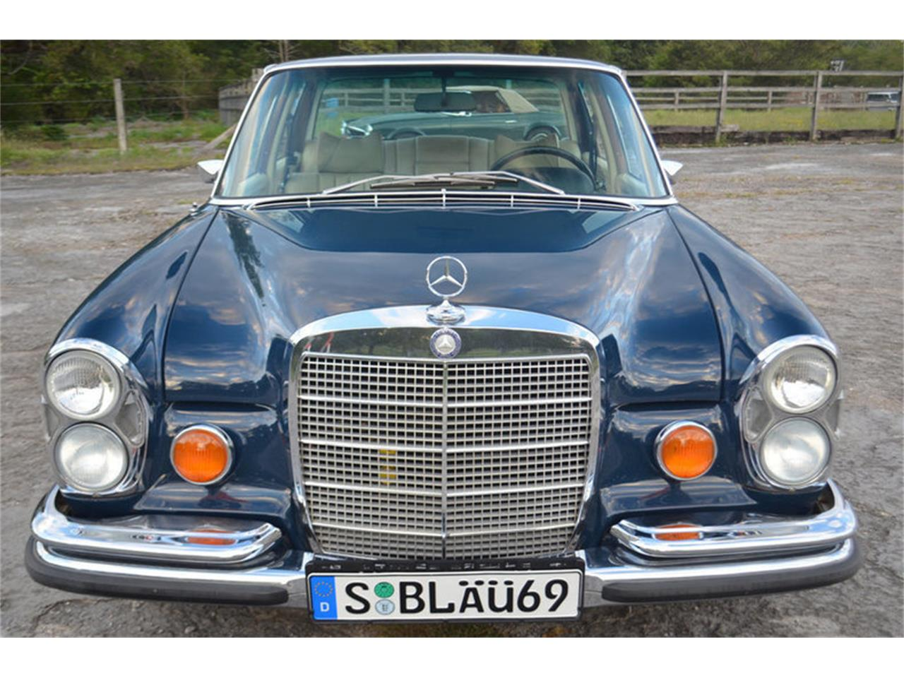 Large Picture of Classic 1969 Mercedes-Benz 300SEL located in Lebanon Tennessee - MEJ6