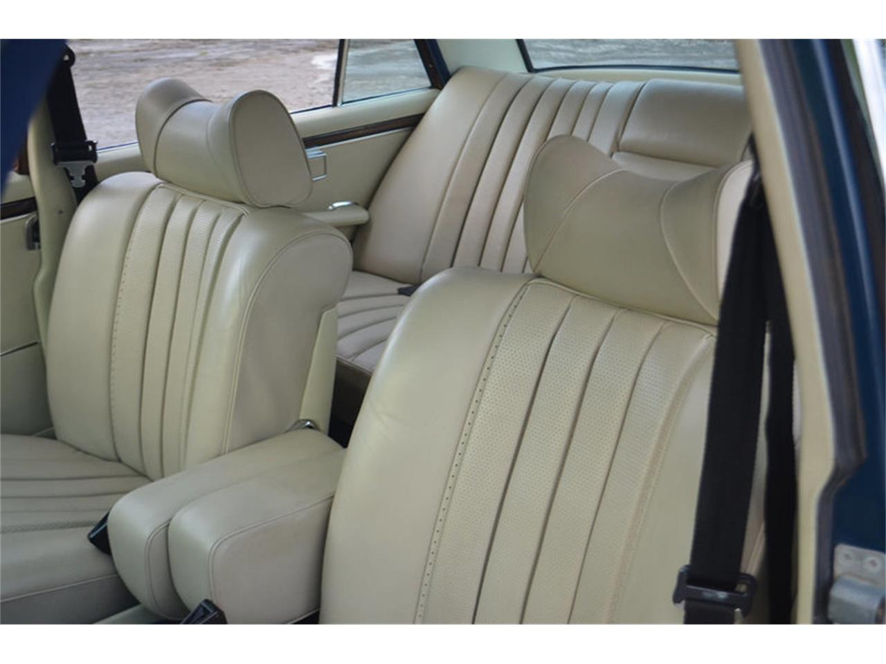 Large Picture of Classic 1969 Mercedes-Benz 300SEL located in Tennessee - MEJ6