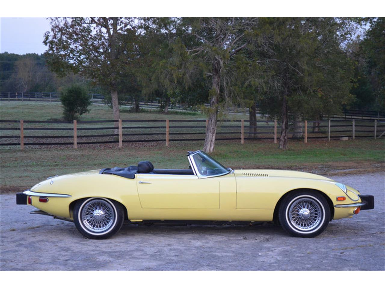 Large Picture of '74 Jaguar XKE Offered by Frazier Motor Car Company - MEJG