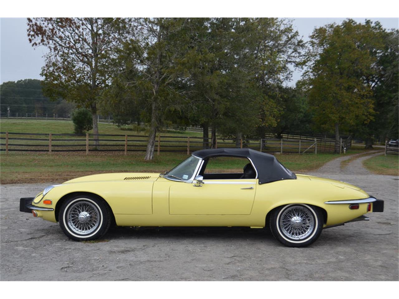 Large Picture of '74 XKE Offered by Frazier Motor Car Company - MEJG