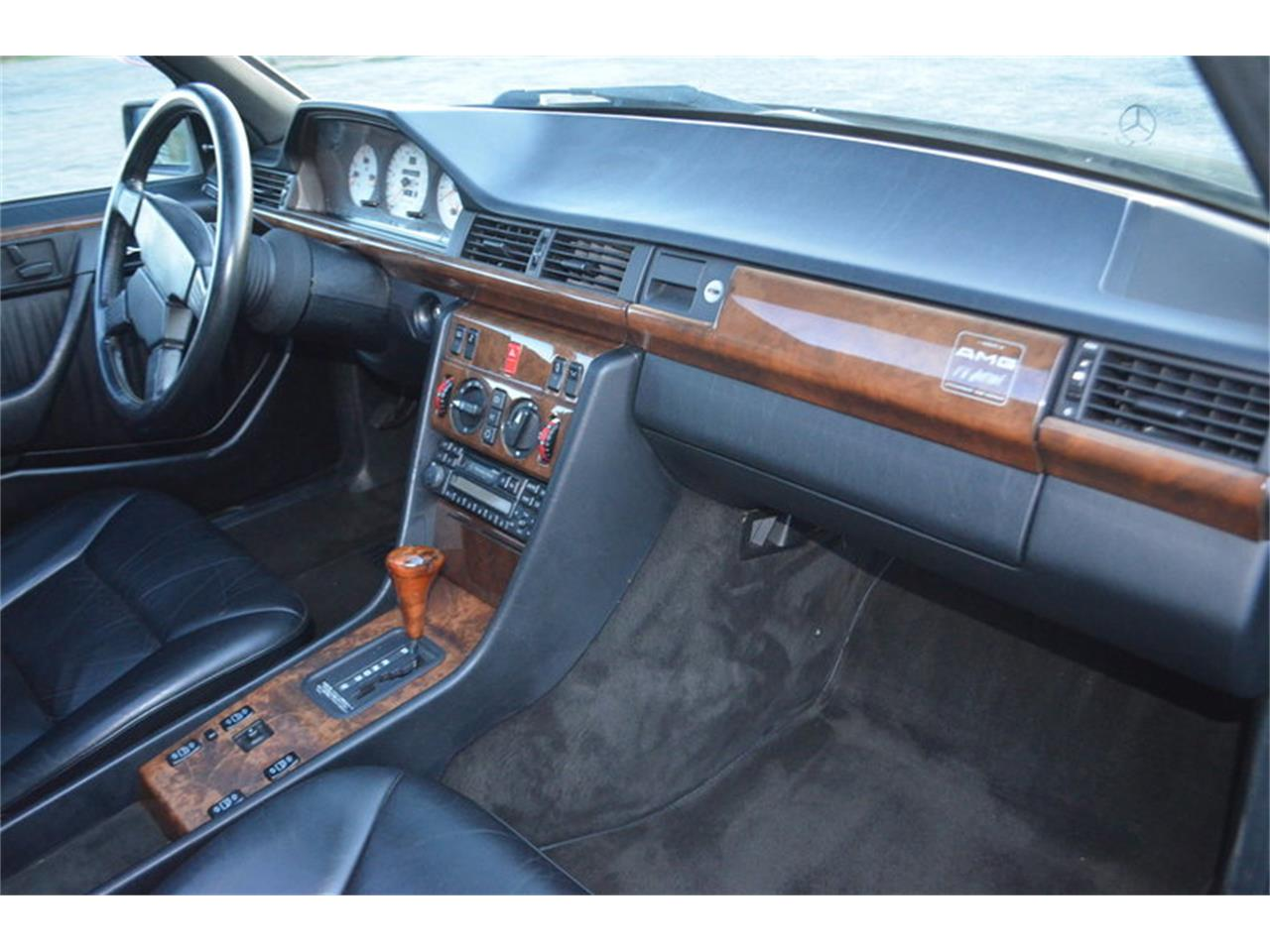 Large Picture of '90 Mercedes-Benz 300E - $19,850.00 - MEK4