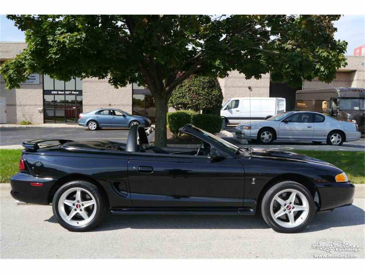 Large Picture of 1997 Ford Mustang SVT Cobra located in Illinois - $16,900.00 Offered by Midwest Car Exchange - MELK