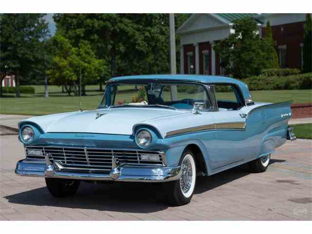 Picture of Classic 1957 Fairlane 500 located in Collierville Tennessee Offered by Art & Speed - MEMY