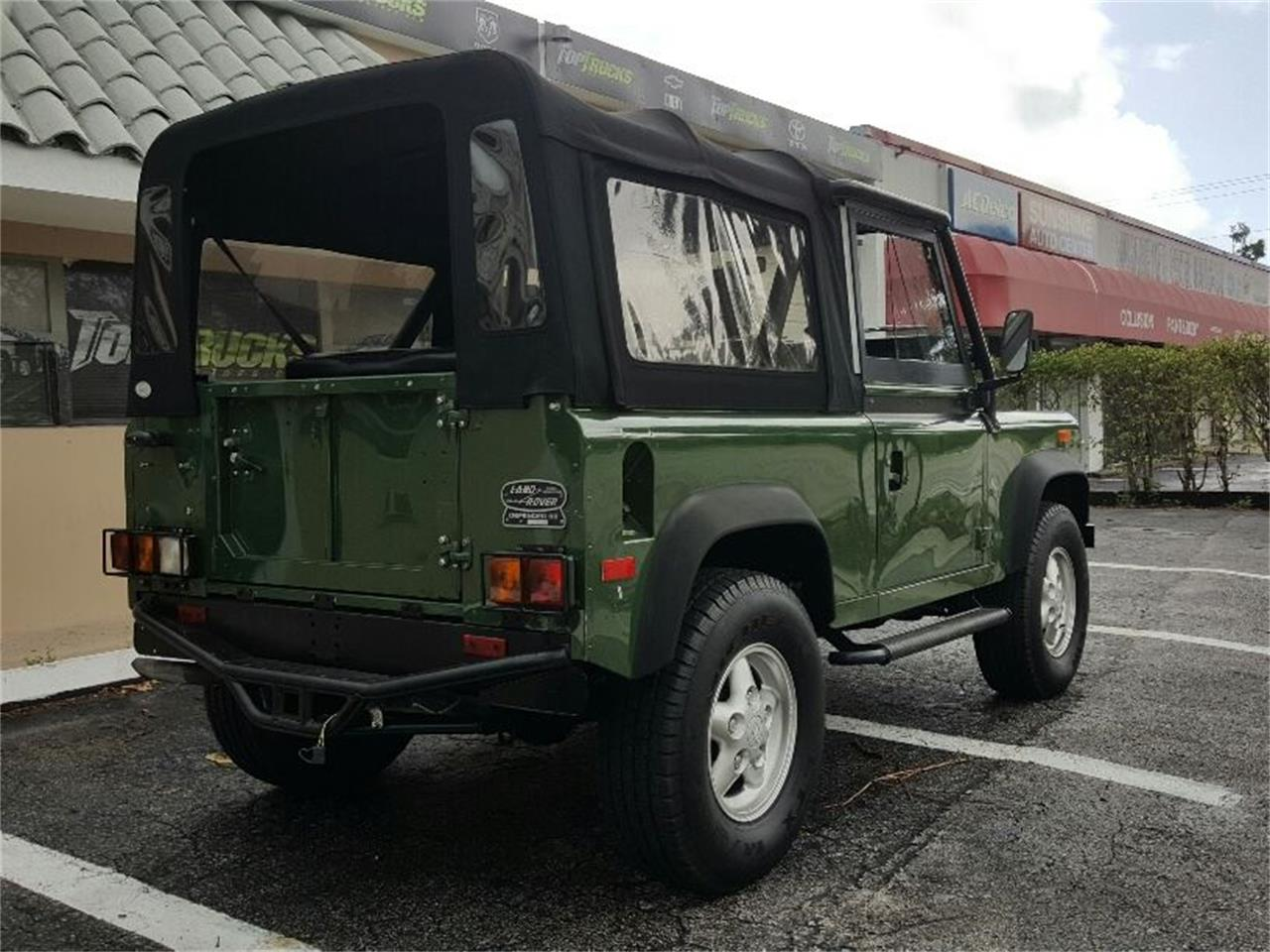 Large Picture of '94 Land Rover Defender - MERG