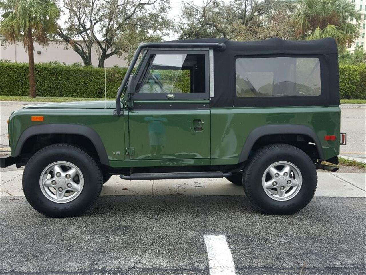 Large Picture of 1994 Land Rover Defender - MERG
