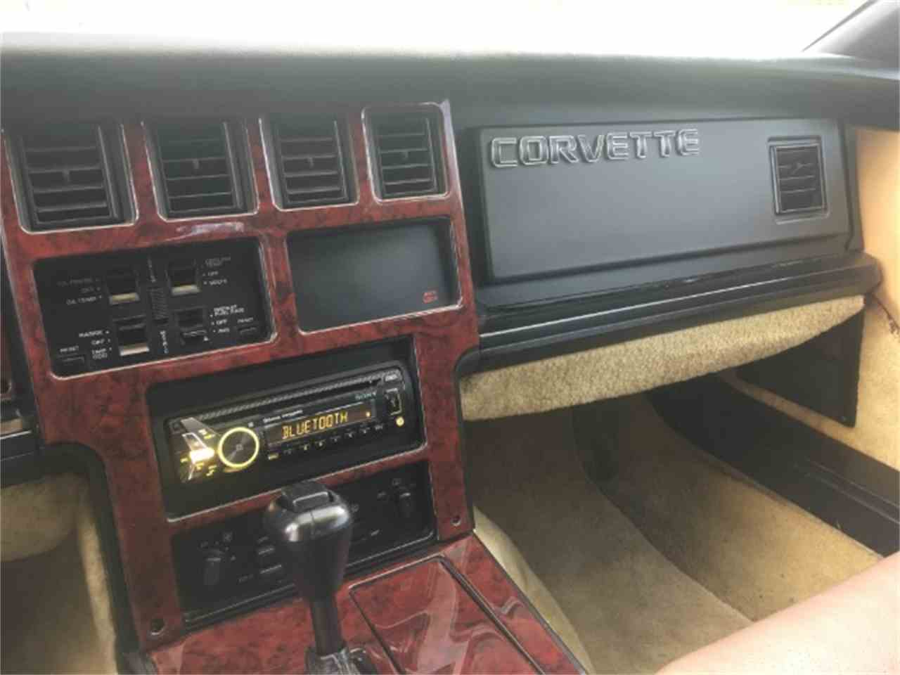 Large Picture of '87 Corvette - MEUE