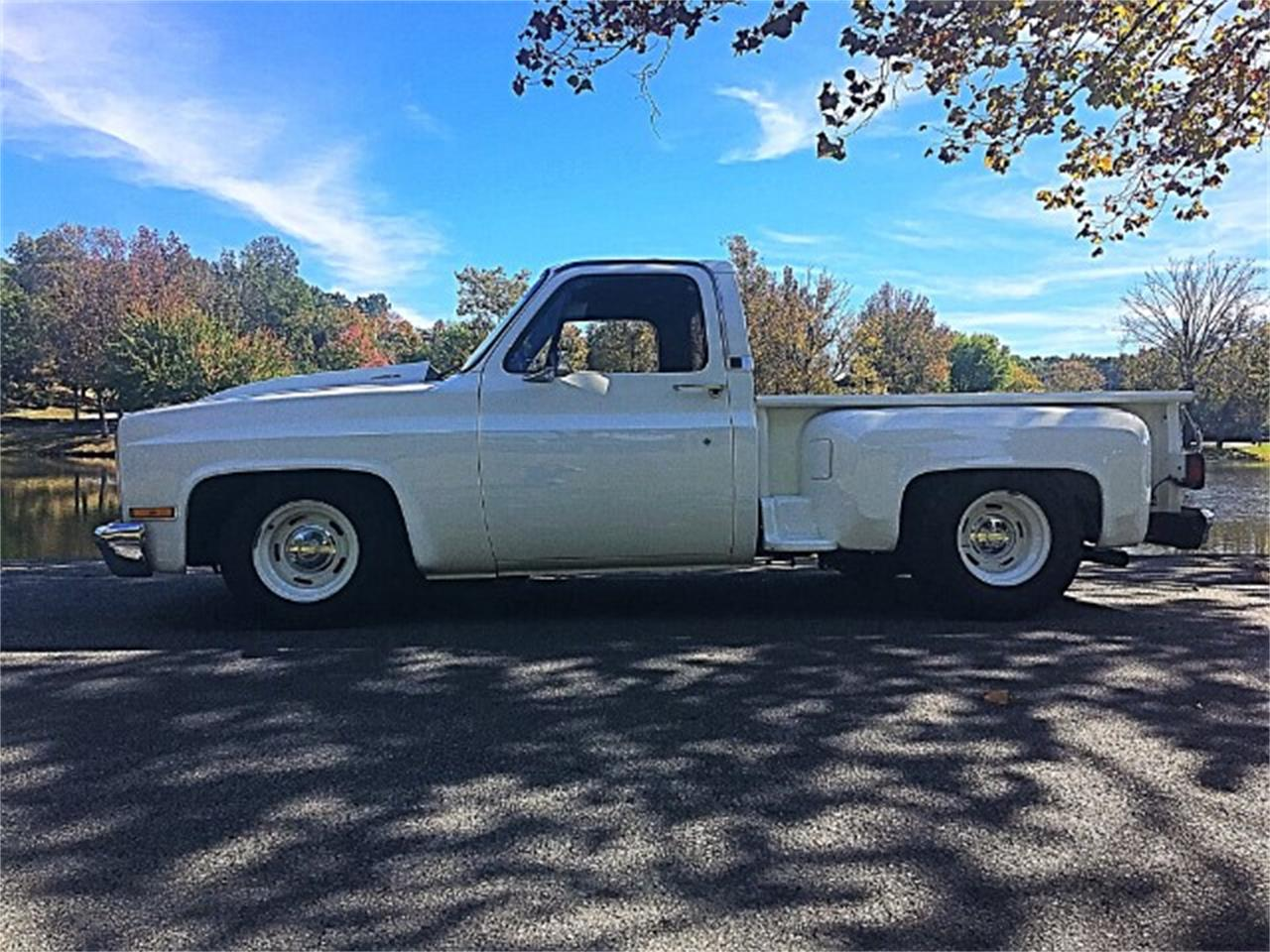 Large Picture of '87 GMC 1500 located in Tennessee Offered by Bobby's Car Care - MEUI