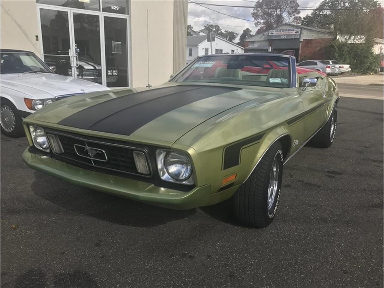 Large Picture of '73 Ford Mustang located in New York Offered by Hollywood Motors - MF56