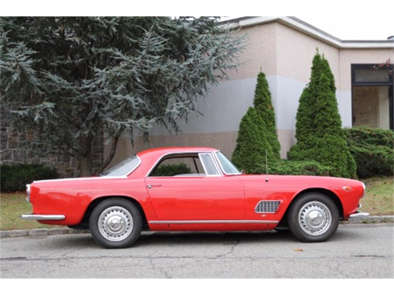 Large Picture of 1961 Maserati 3500 located in Astoria New York Offered by Gullwing Motor Cars - MF7C