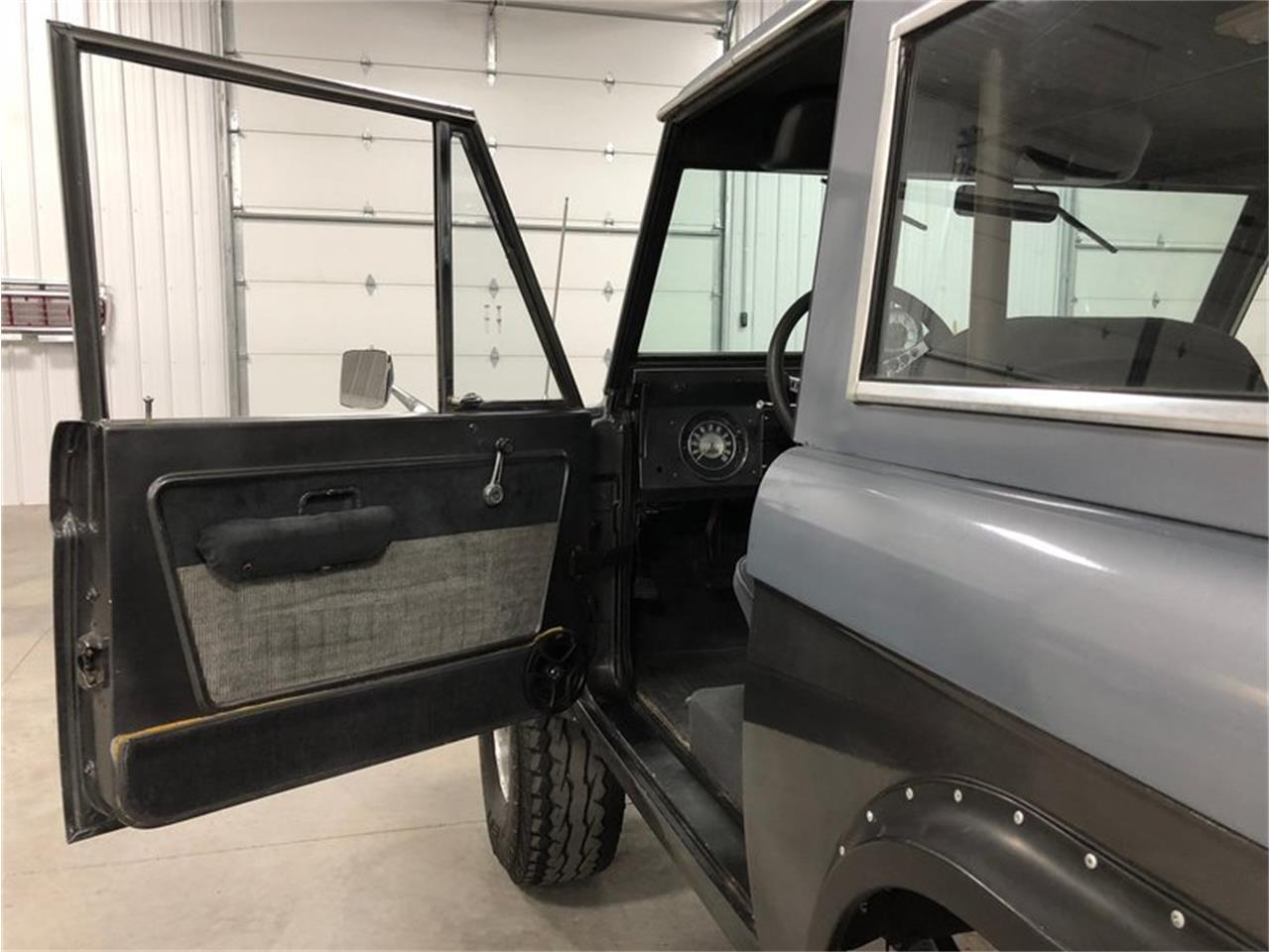 Large Picture of Classic '70 Ford Bronco located in Michigan Offered by 4-Wheel Classics - MF7T