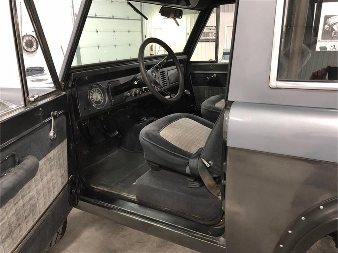 Large Picture of 1970 Ford Bronco located in Michigan - $25,900.00 Offered by 4-Wheel Classics - MF7T