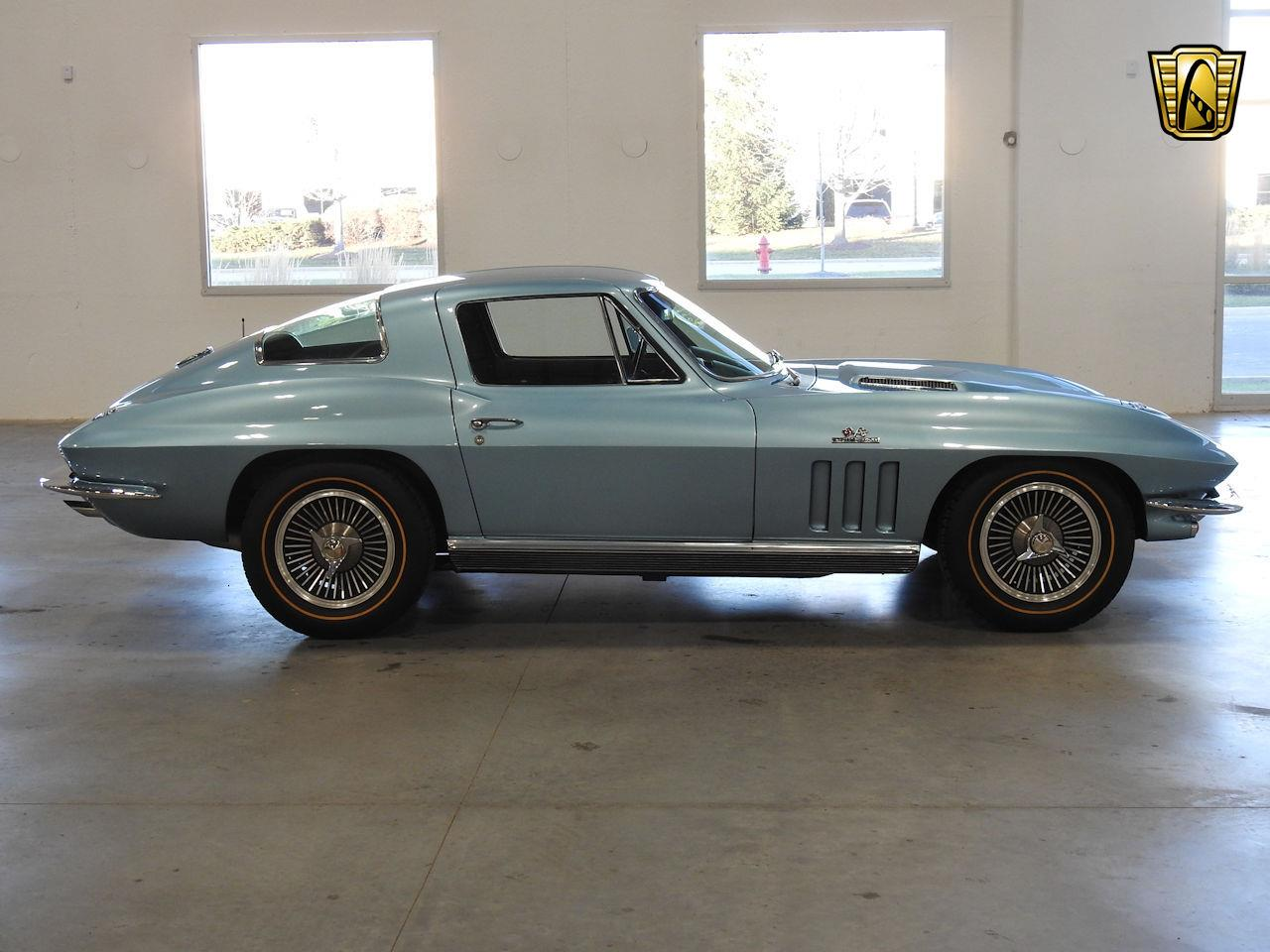 Large Picture of '66 Corvette - MFCK