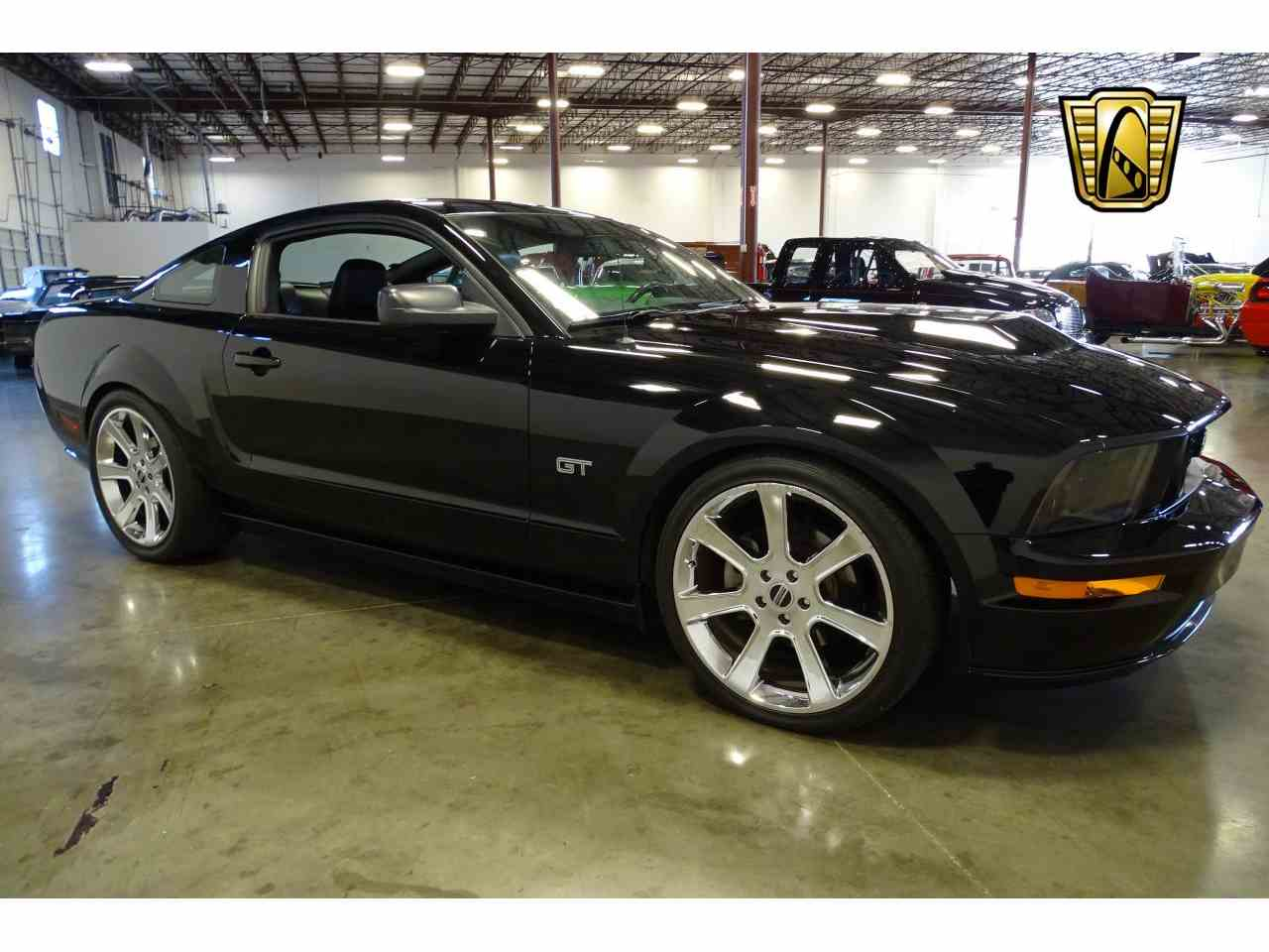 Large Picture of 2006 Mustang located in La Vergne Tennessee - MFDI