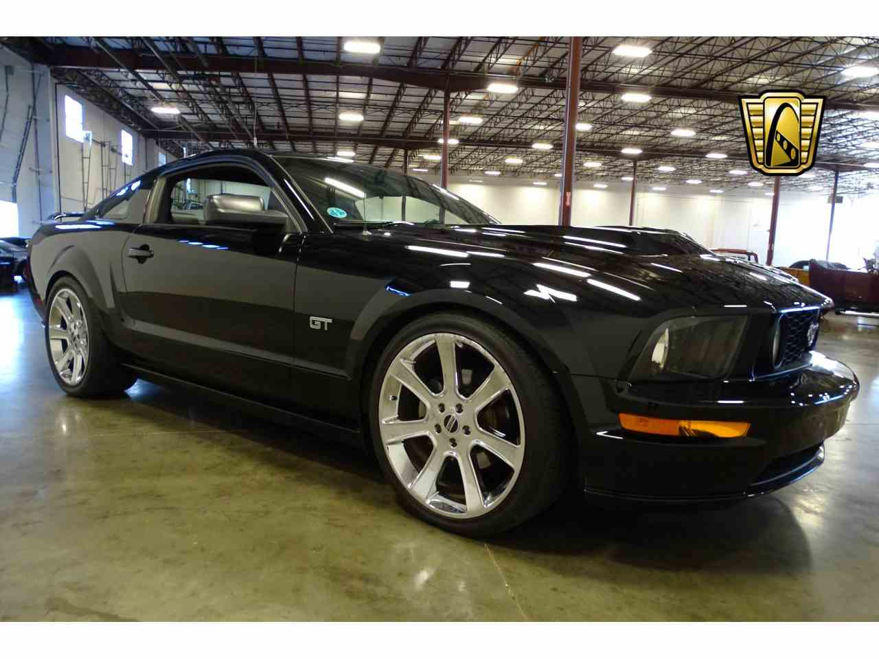 Large Picture of '06 Ford Mustang - $15,595.00 - MFDI