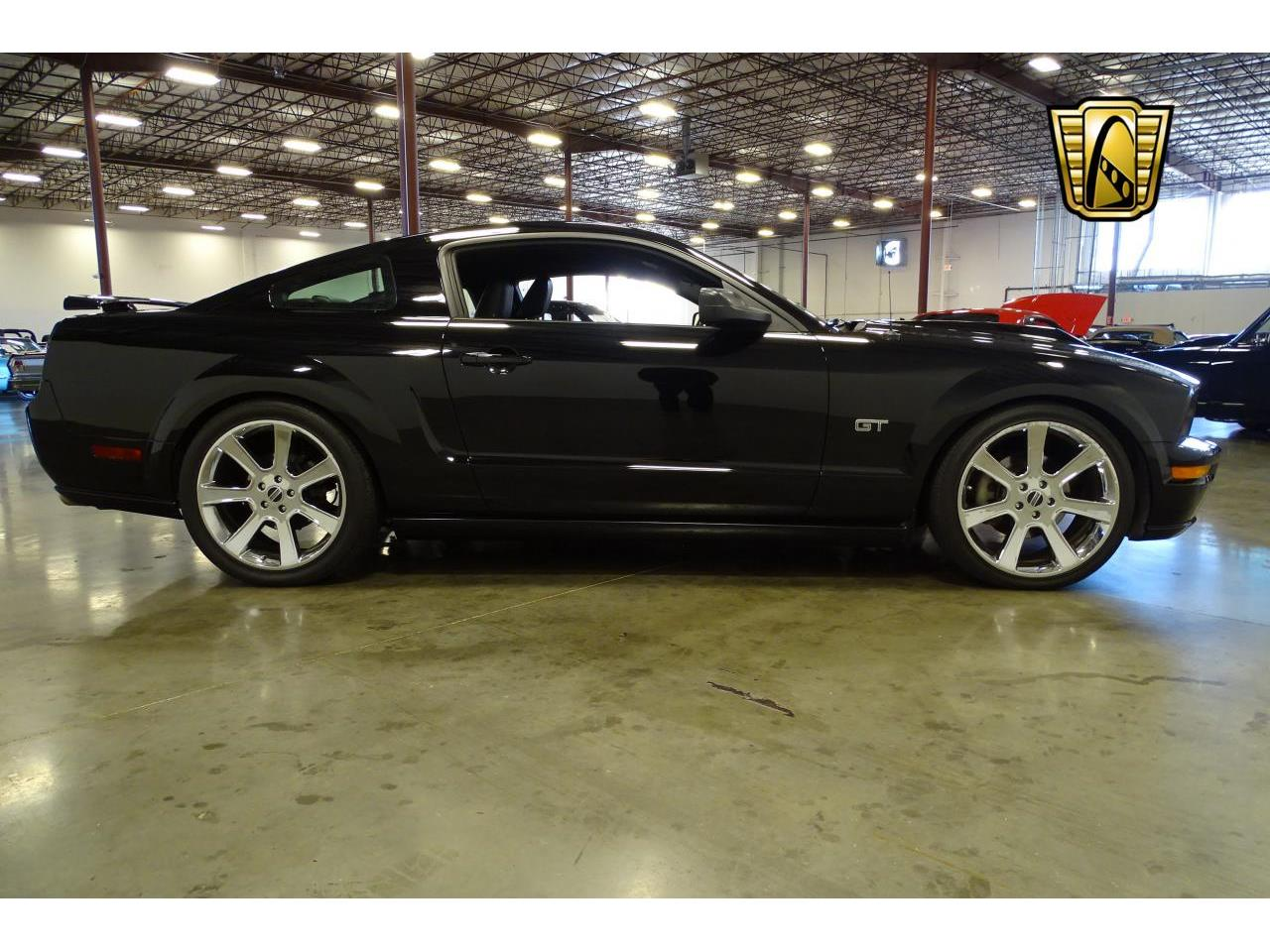 Large Picture of '06 Ford Mustang located in La Vergne Tennessee - MFDI
