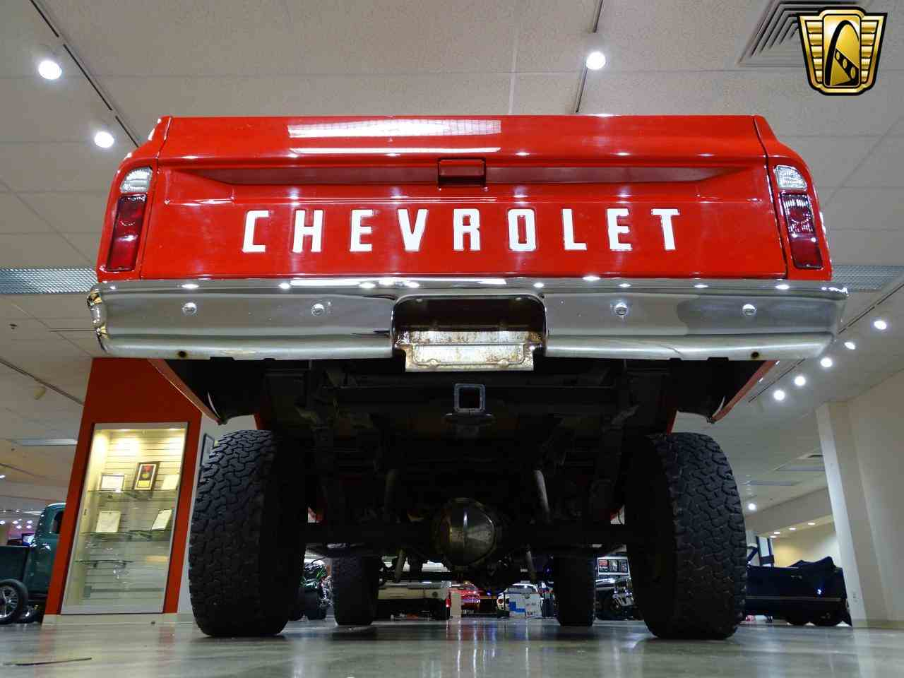 Large Picture of 1972 Chevrolet K-10 located in O'Fallon Illinois Offered by Gateway Classic Cars - St. Louis - MFDJ