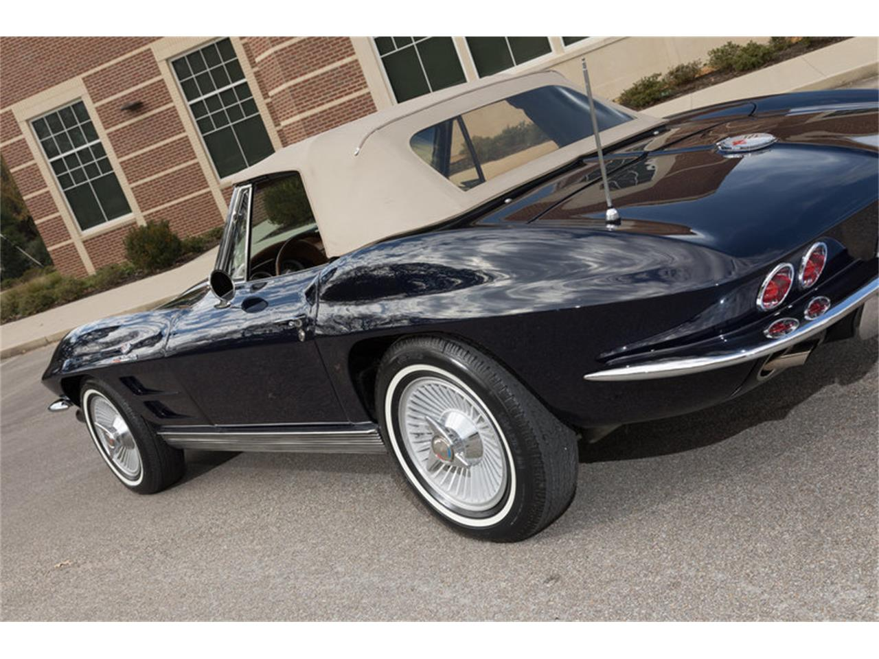 Large Picture of Classic '63 Chevrolet Corvette located in Collierville Tennessee - $107,900.00 Offered by Art & Speed - MFF5