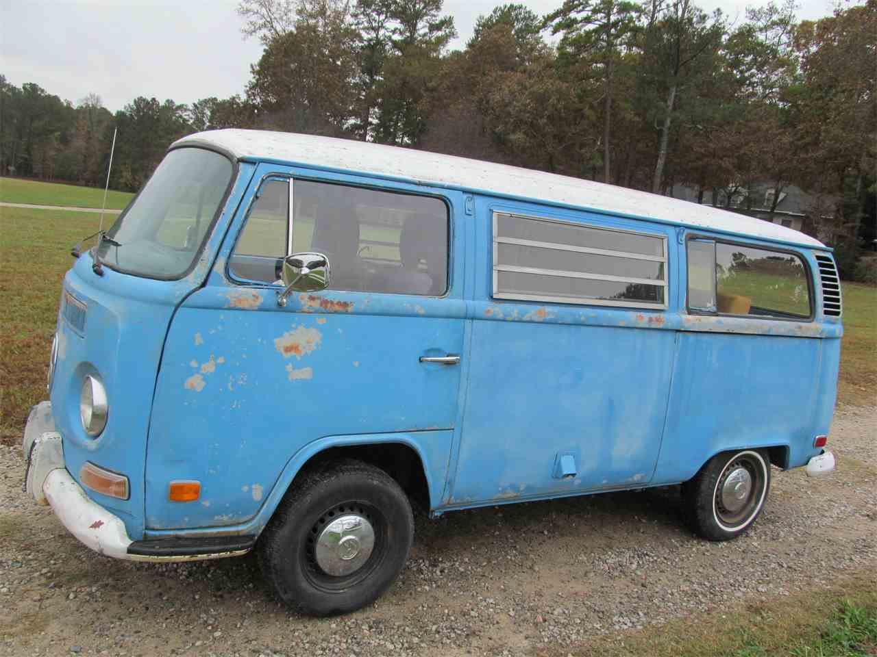 Large Picture of Classic 1972 Volkswagen Bus Offered by Peachtree Classic Cars - MAIP