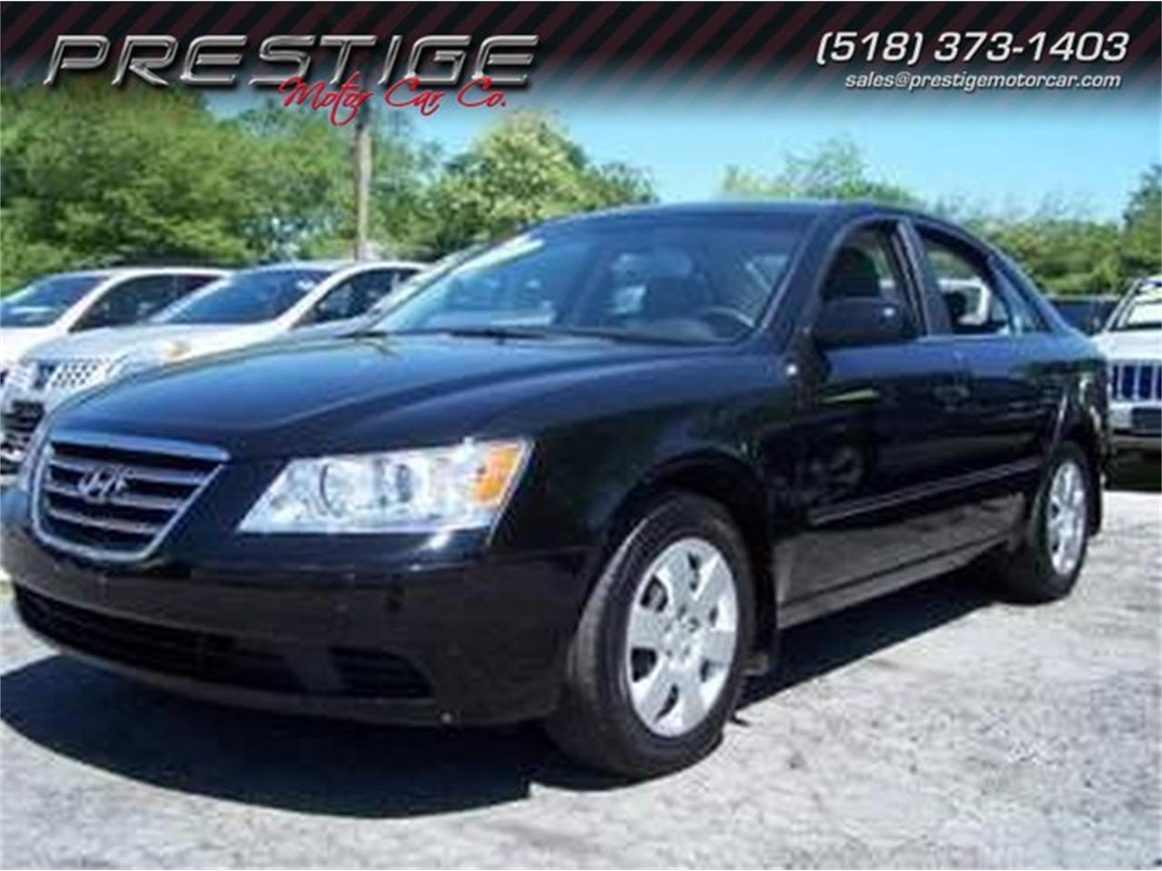 Large Picture of '09 Hyundai Sonata located in Clifton Park New York Offered by Prestige Motor Car Co. - MAZK