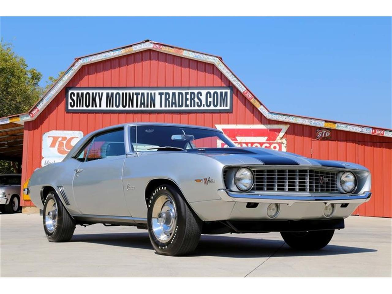 Large Picture of Classic 1969 Chevrolet Camaro Z28 Offered by Smoky Mountain Traders - MFNS