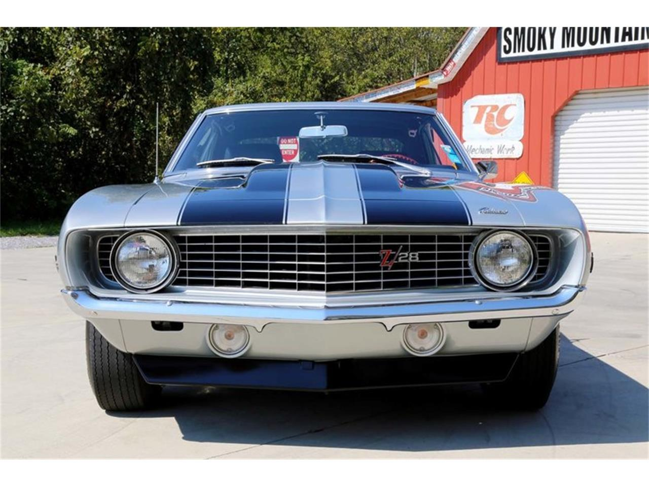 Large Picture of Classic 1969 Camaro Z28 located in Lenoir City Tennessee - $82,995.00 Offered by Smoky Mountain Traders - MFNS
