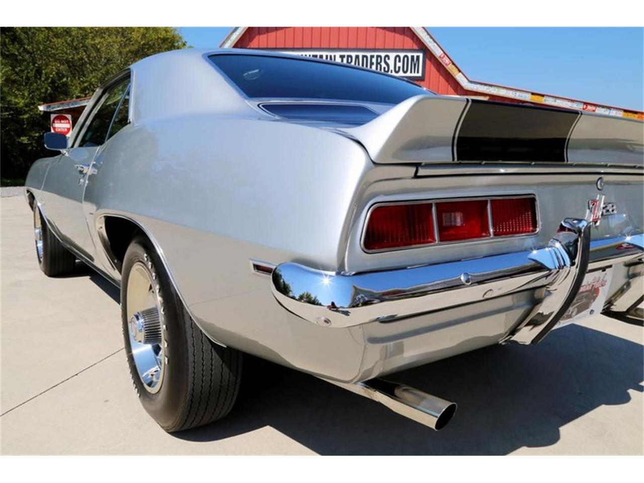 Large Picture of 1969 Chevrolet Camaro Z28 - MFNS