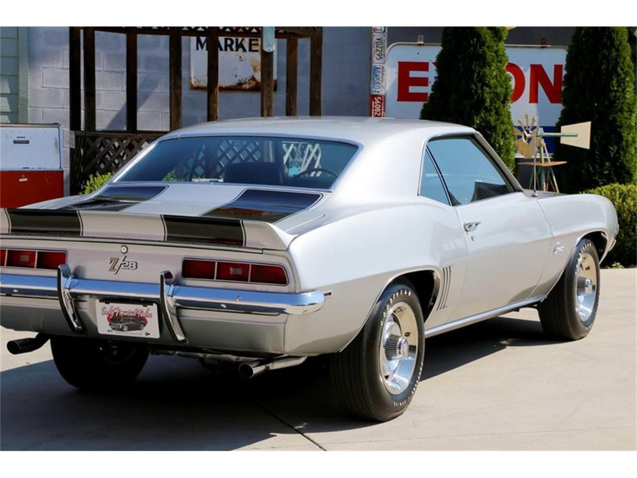 Large Picture of '69 Camaro Z28 located in Lenoir City Tennessee Offered by Smoky Mountain Traders - MFNS