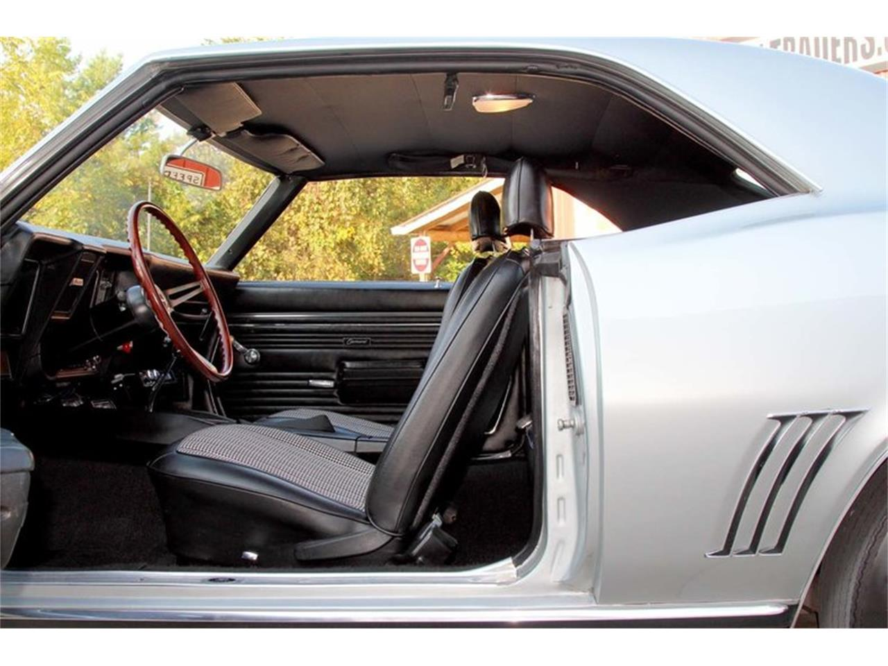 Large Picture of Classic 1969 Camaro Z28 located in Lenoir City Tennessee Offered by Smoky Mountain Traders - MFNS