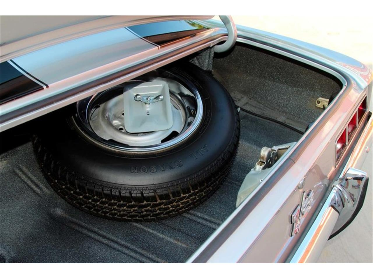 Large Picture of '69 Camaro Z28 located in Tennessee Offered by Smoky Mountain Traders - MFNS