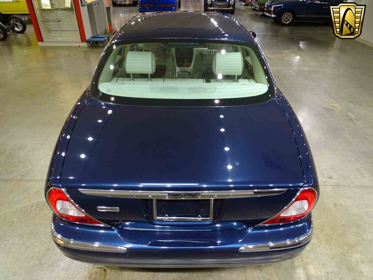 Large Picture of '06 XJ8 located in O'Fallon Illinois Offered by Gateway Classic Cars - St. Louis - MFNT