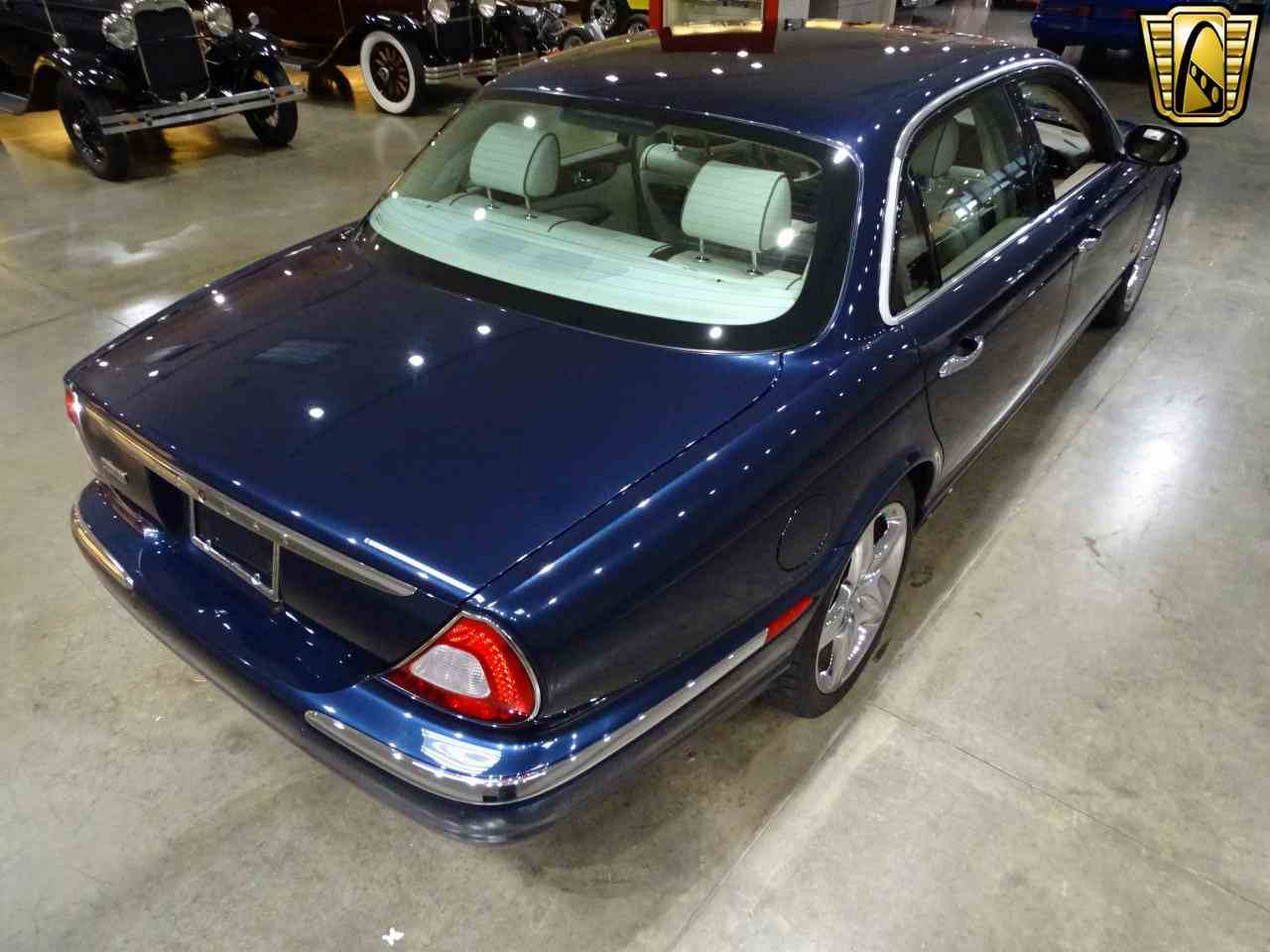 Large Picture of '06 Jaguar XJ8 - $14,995.00 Offered by Gateway Classic Cars - St. Louis - MFNT