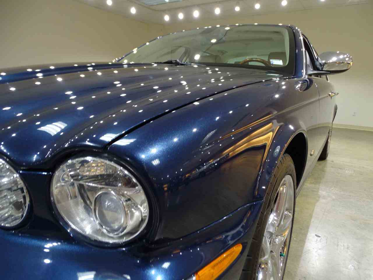 Large Picture of '06 Jaguar XJ8 located in Illinois - MFNT
