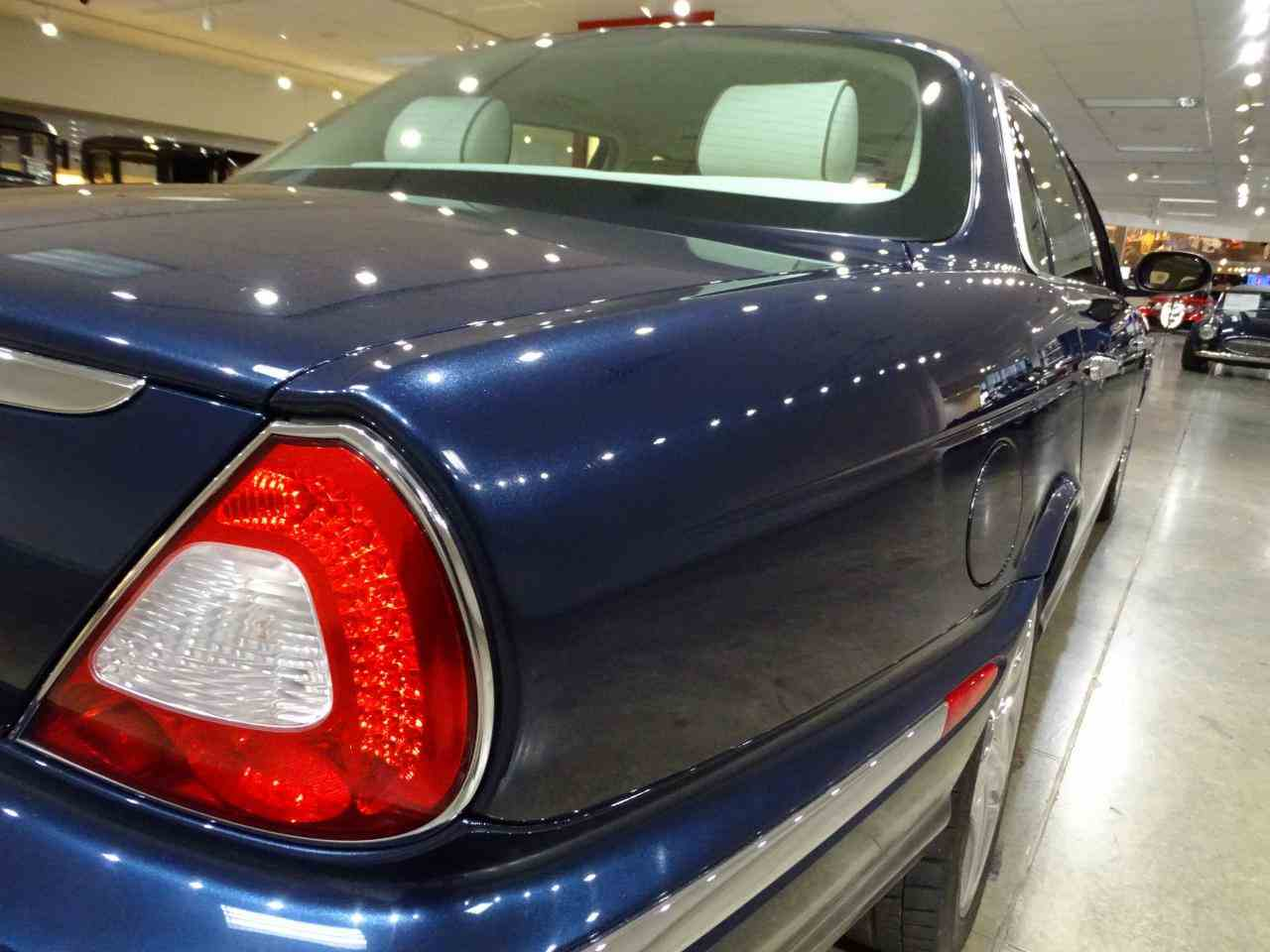 Large Picture of '06 Jaguar XJ8 located in Illinois - $14,995.00 - MFNT