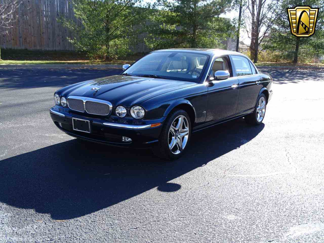 Large Picture of 2006 XJ8 - $14,995.00 Offered by Gateway Classic Cars - St. Louis - MFNT