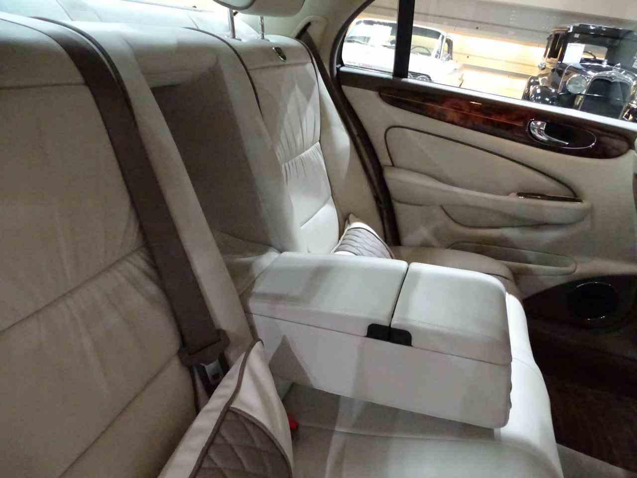 Large Picture of '06 Jaguar XJ8 located in O'Fallon Illinois - $14,995.00 - MFNT