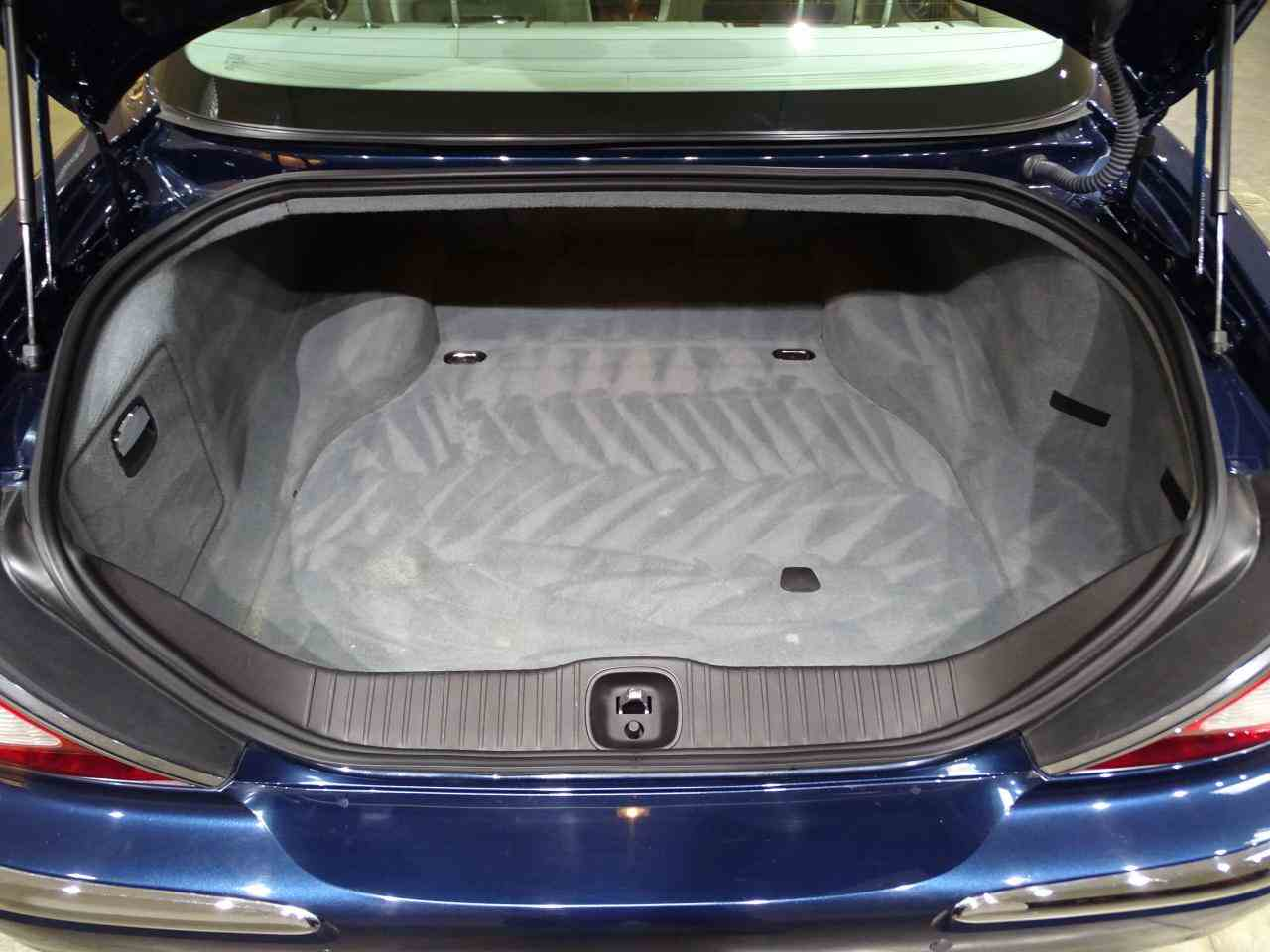 Large Picture of '06 Jaguar XJ8 located in Illinois - $14,995.00 Offered by Gateway Classic Cars - St. Louis - MFNT
