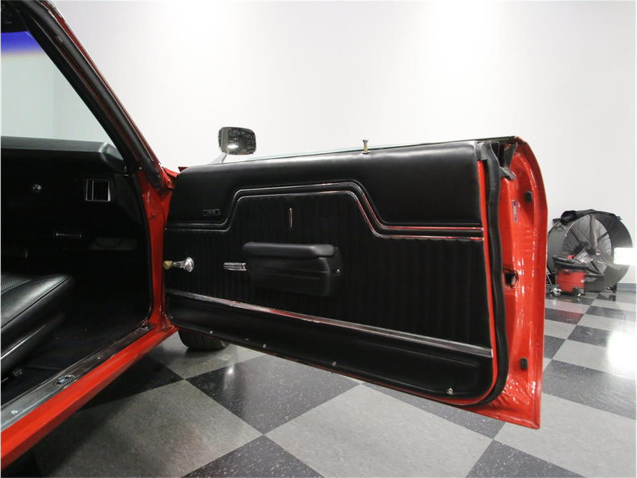 Large Picture of '70 Chevrolet Chevelle SS located in Tennessee Offered by Streetside Classics - Nashville - MFNU