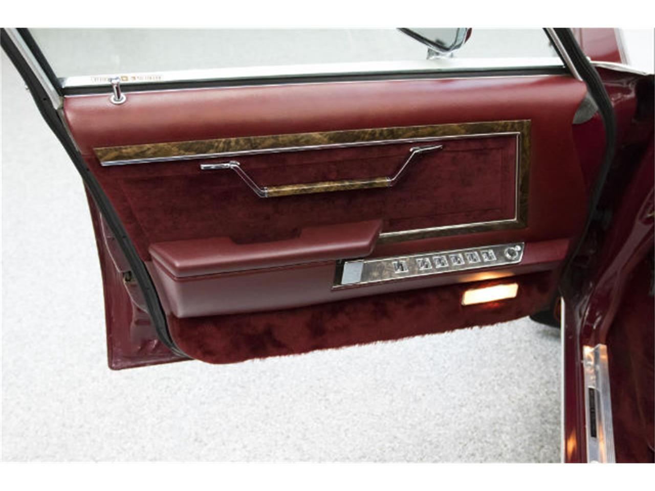 Large Picture of '86 Chrysler Fifth Avenue located in Sioux Falls South Dakota - $13,975.00 Offered by Frankman Motor Company - MFNZ