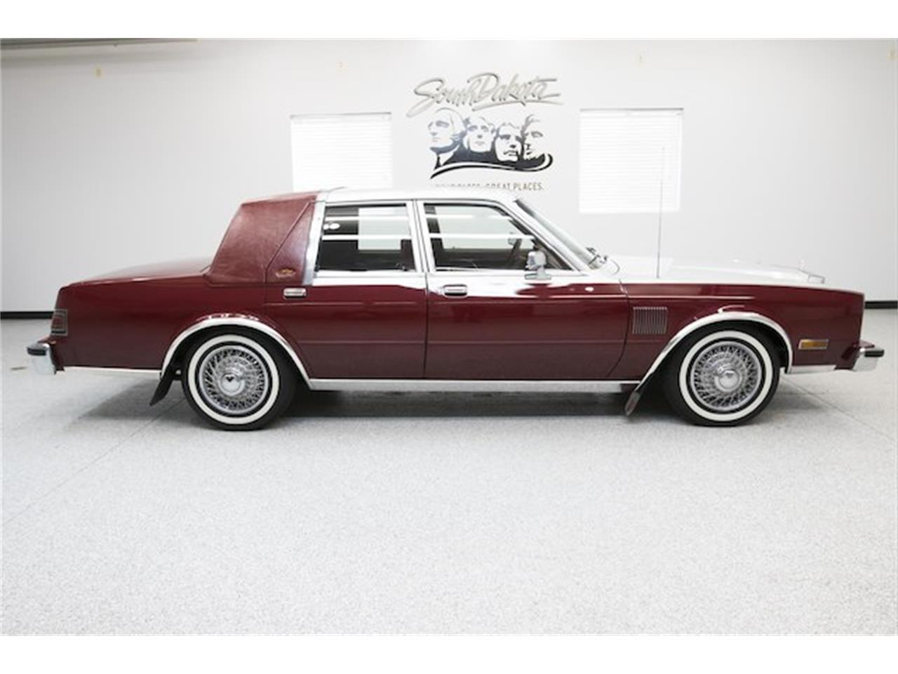 Large Picture of '86 Chrysler Fifth Avenue - MFNZ