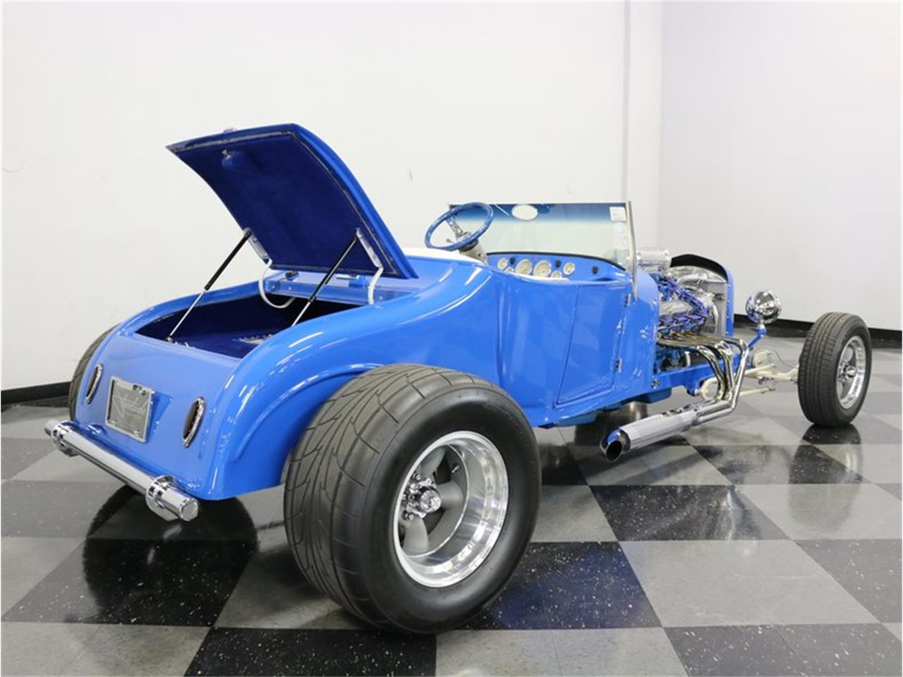Large Picture of Classic 1927 Ford Model T - MAZM