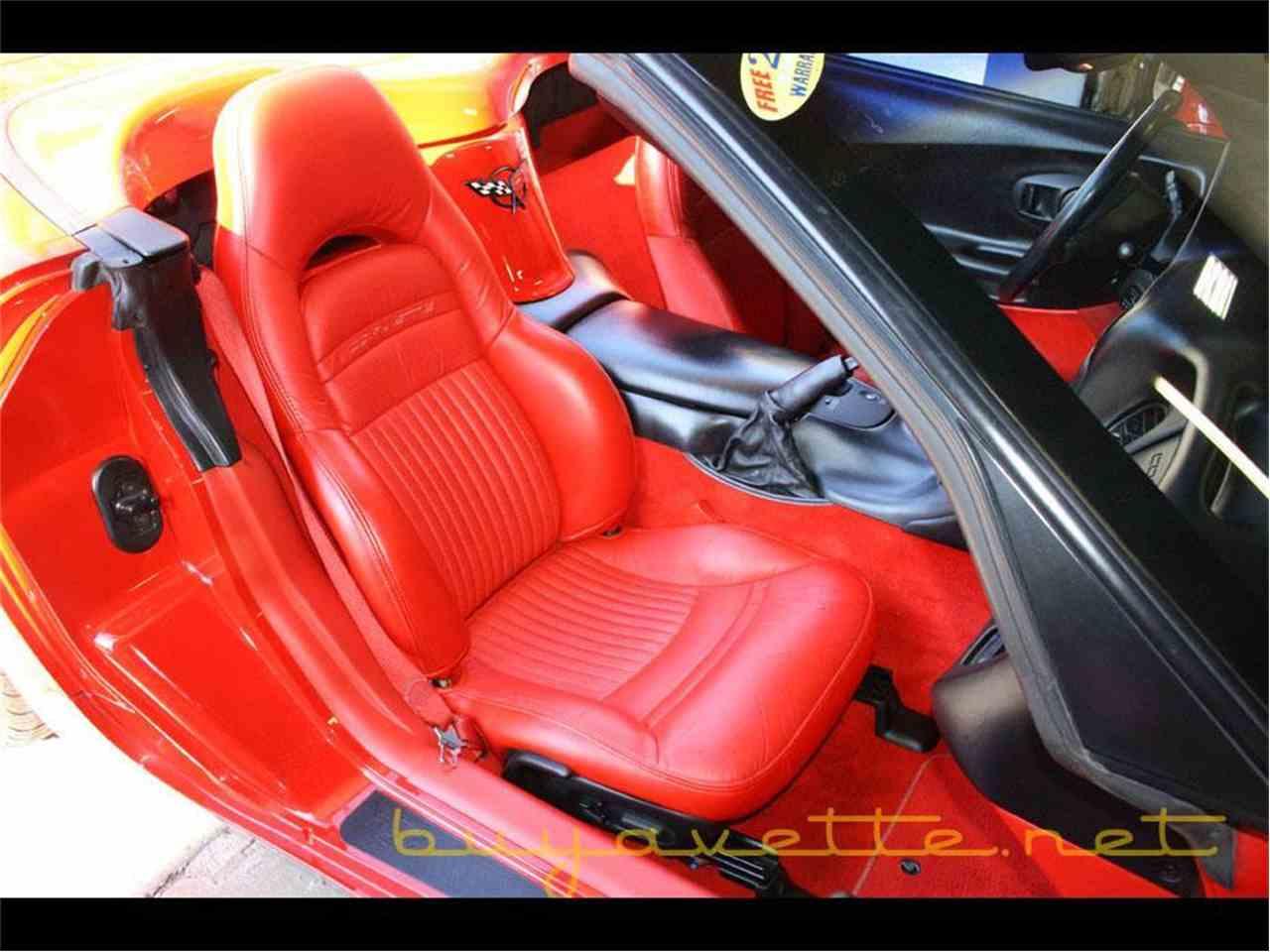 Large Picture of 2002 Chevrolet Corvette - MFOA