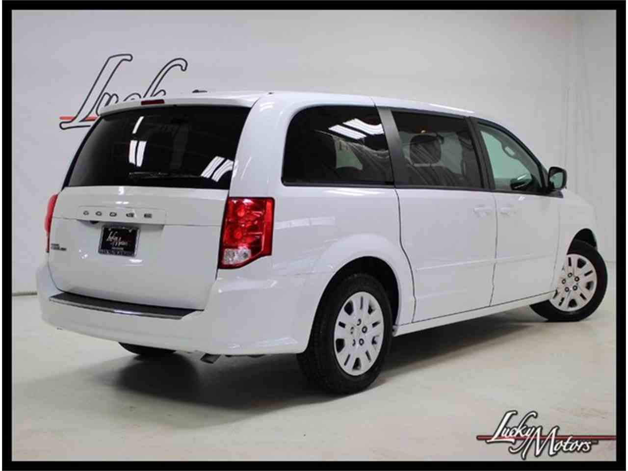 Large Picture of 2017 Grand Caravan located in Elmhurst Illinois - MFOI