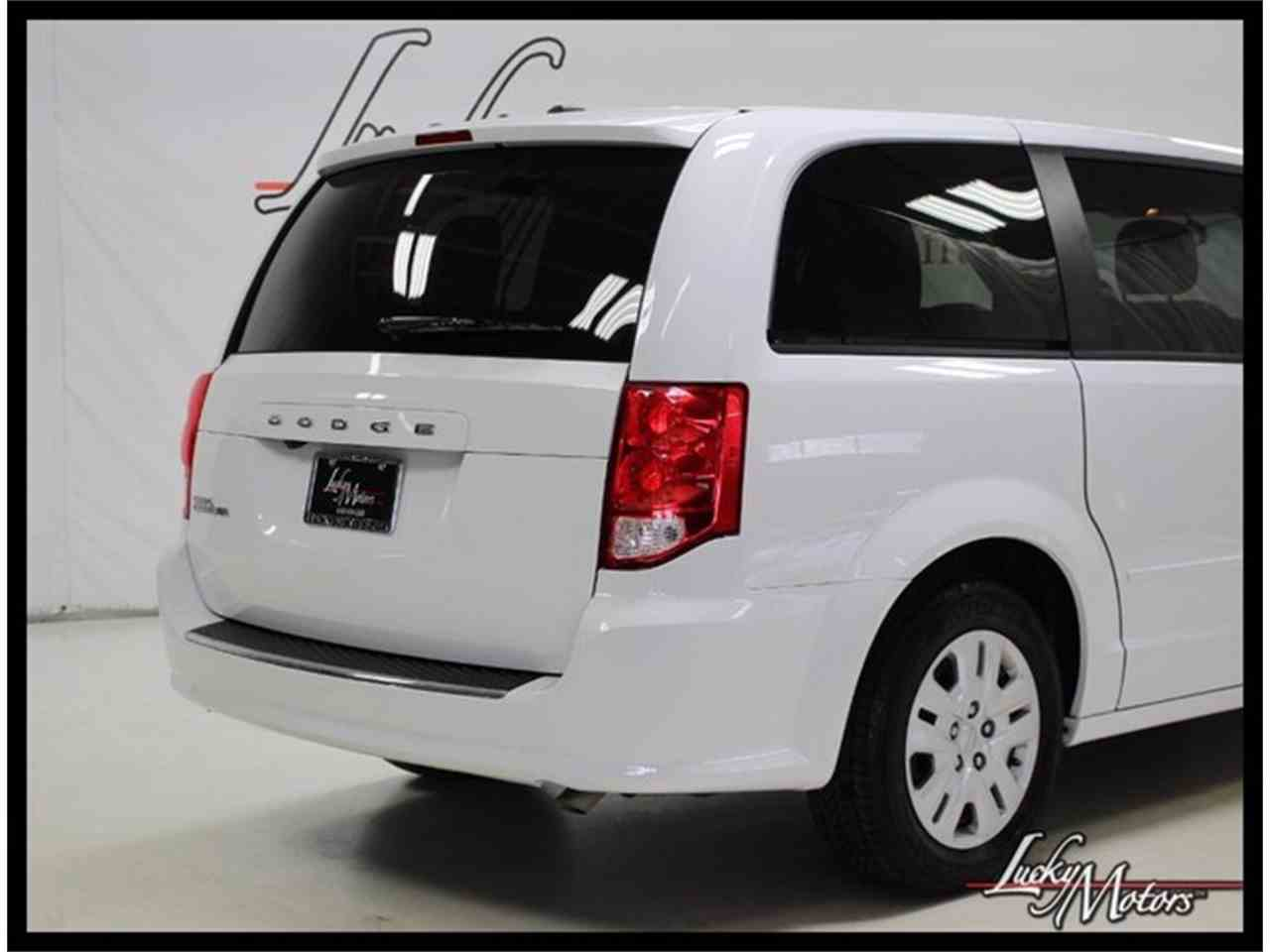 Large Picture of '17 Grand Caravan located in Elmhurst Illinois - $21,990.00 - MFOI