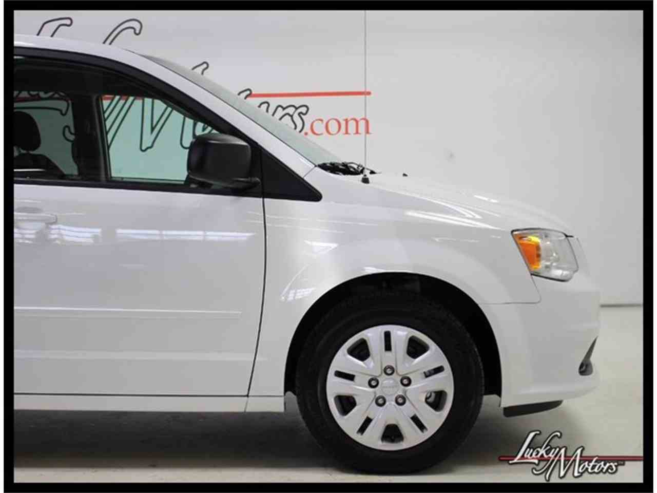 Large Picture of 2017 Grand Caravan - $21,990.00 Offered by Lucky Motors Of Villa Park - MFOI