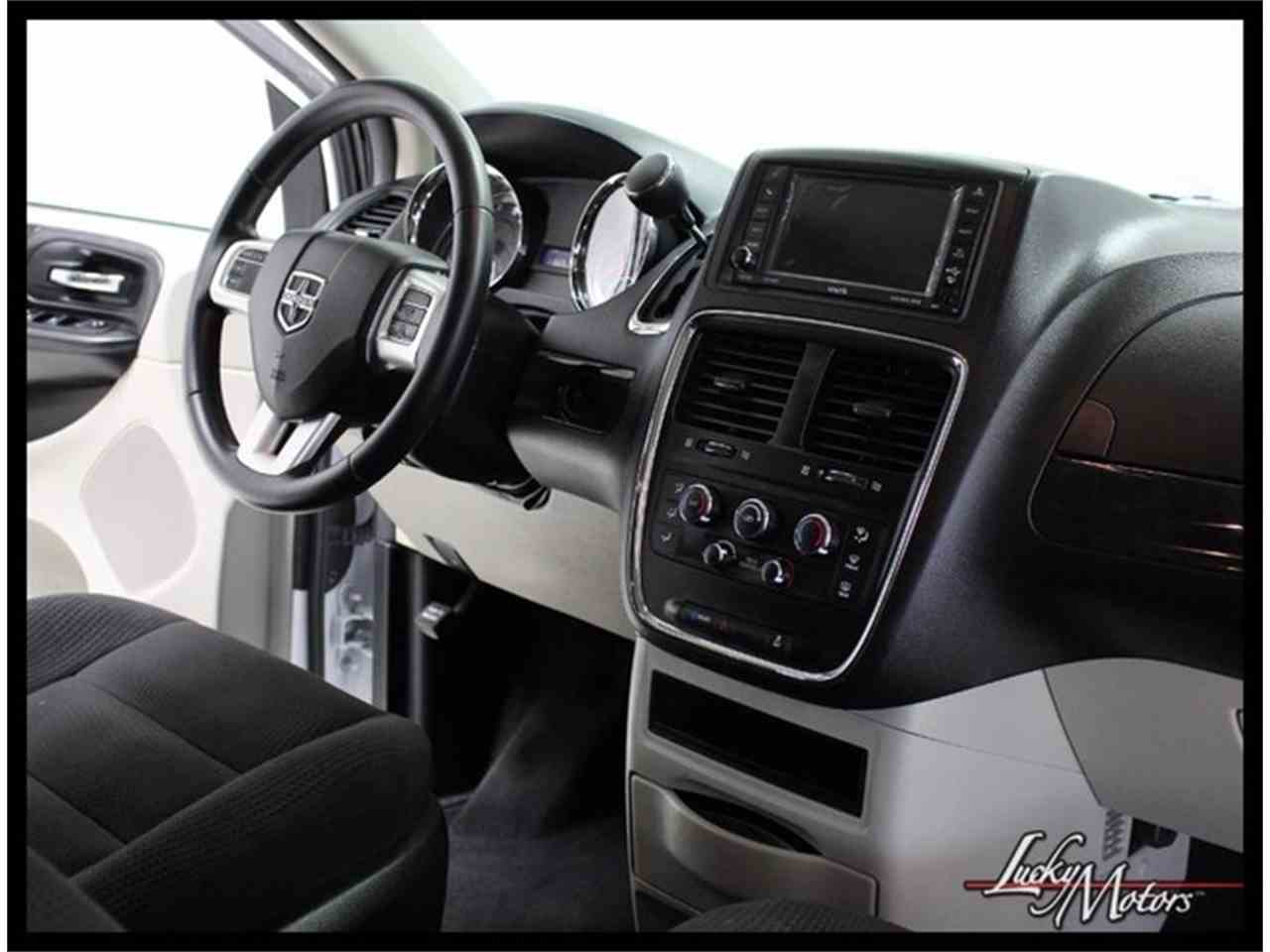 Large Picture of 2017 Dodge Grand Caravan located in Illinois - $21,990.00 - MFOI