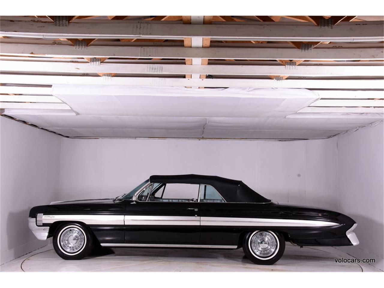Large Picture of 1961 Starfire located in Volo Illinois Offered by Volo Auto Museum - MFQR
