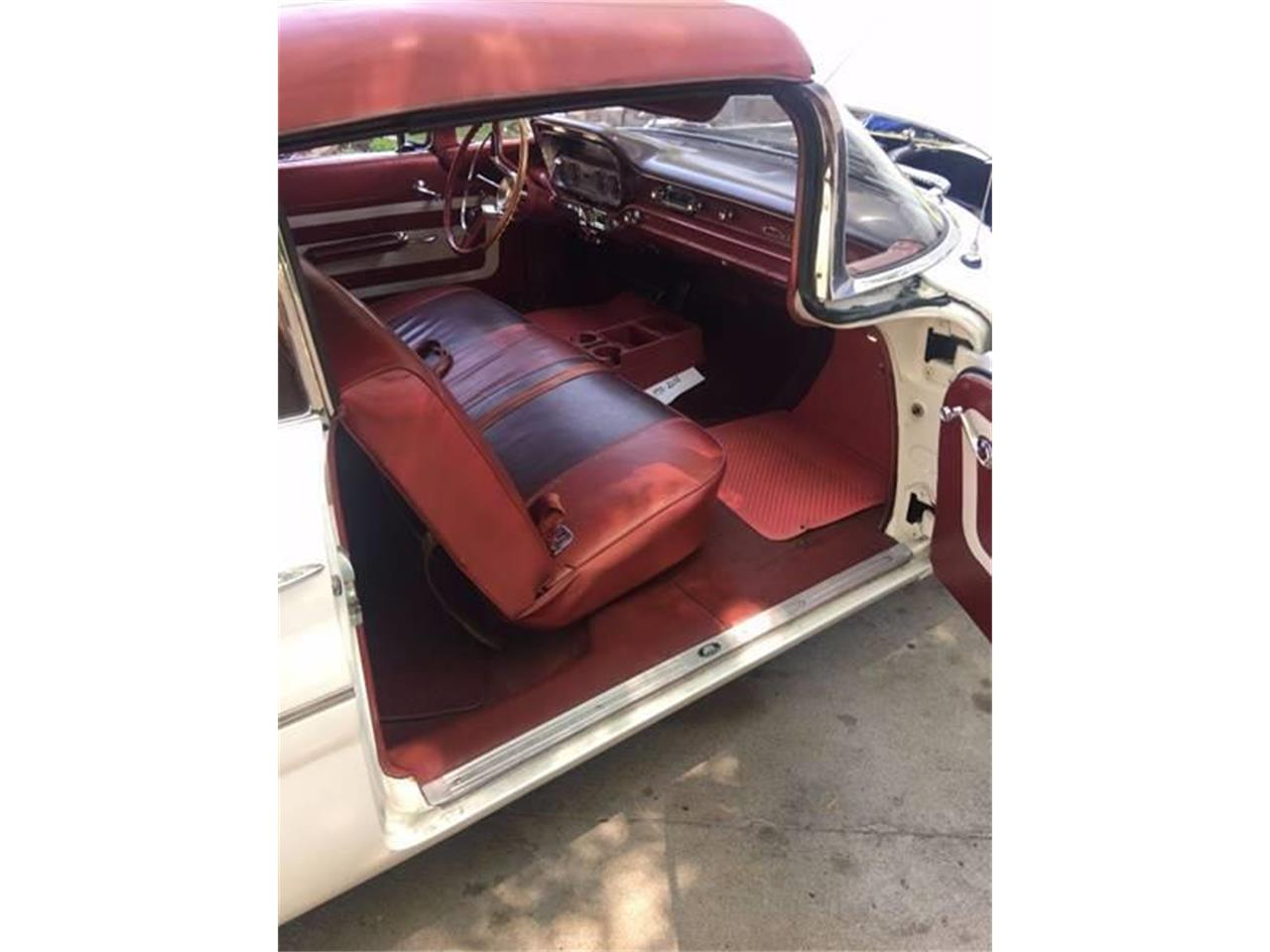 Large Picture of 1960 Pontiac Catalina - MFSH