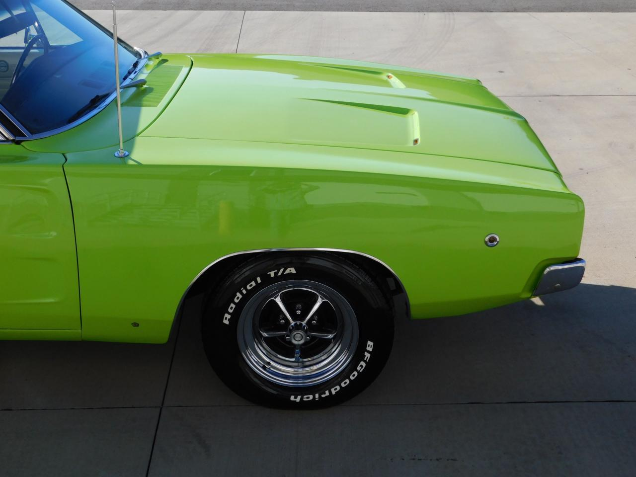 Large Picture of 1968 Dodge Charger - MFU6